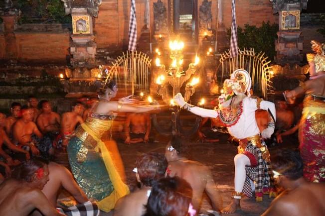indonesie bali kultura zvyky 4 Kultura a zvyky Indonésie